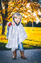 Load image into Gallery viewer, Car Seat Poncho - Gray Arrow
