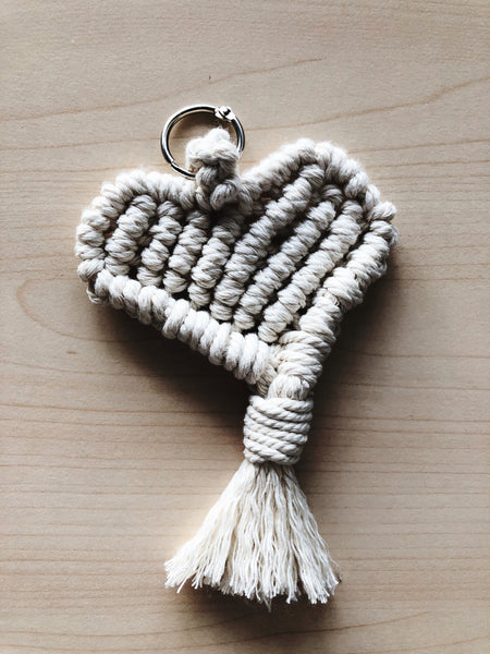 Suzu Papers - Macrame personal gift heart made by yourself