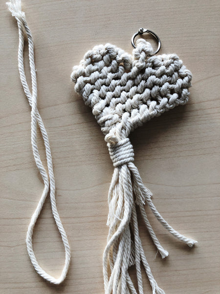 Suzu Papers - macrame personal gift heart - knot and tie yourself
