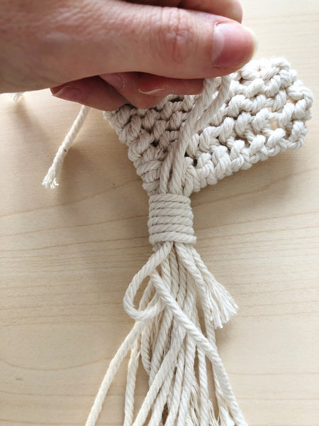 Suzu Papers - make your own macrame heart shape pendant