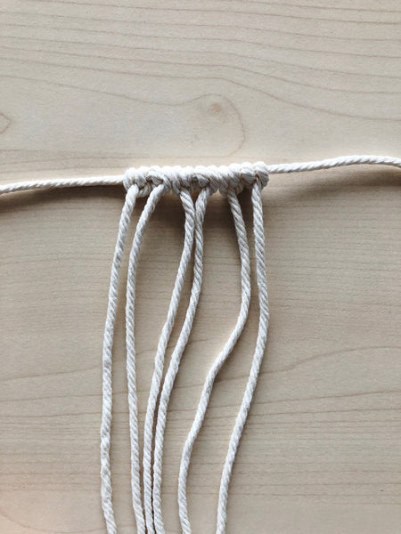 Suzu Papers - Macrame heart key ring to tie and tie yourself