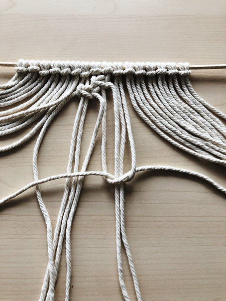 Suzu Papers - DIY macrame coasters as a gift - Simple instructions to make yourself