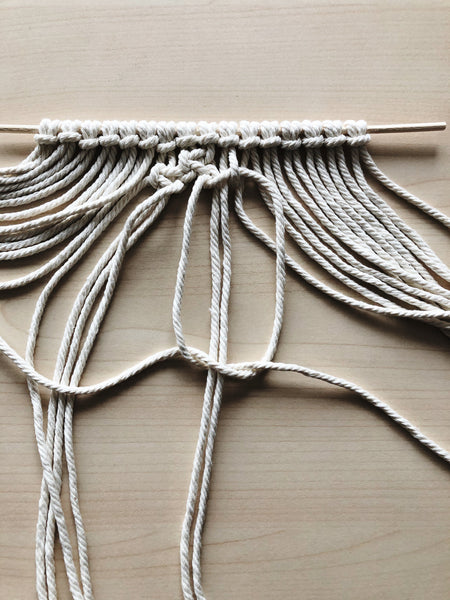 Suzu Papers - DIY macrame coasters as a gift idea with instructions - Guide - Made easy