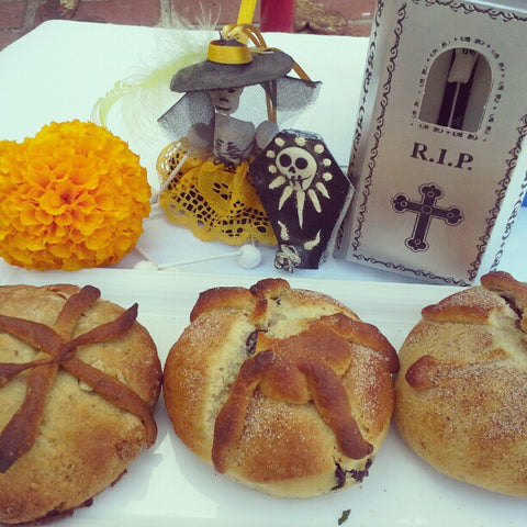 Pan de Muerto (Mexican Sweet Bread for Day of the Dead)