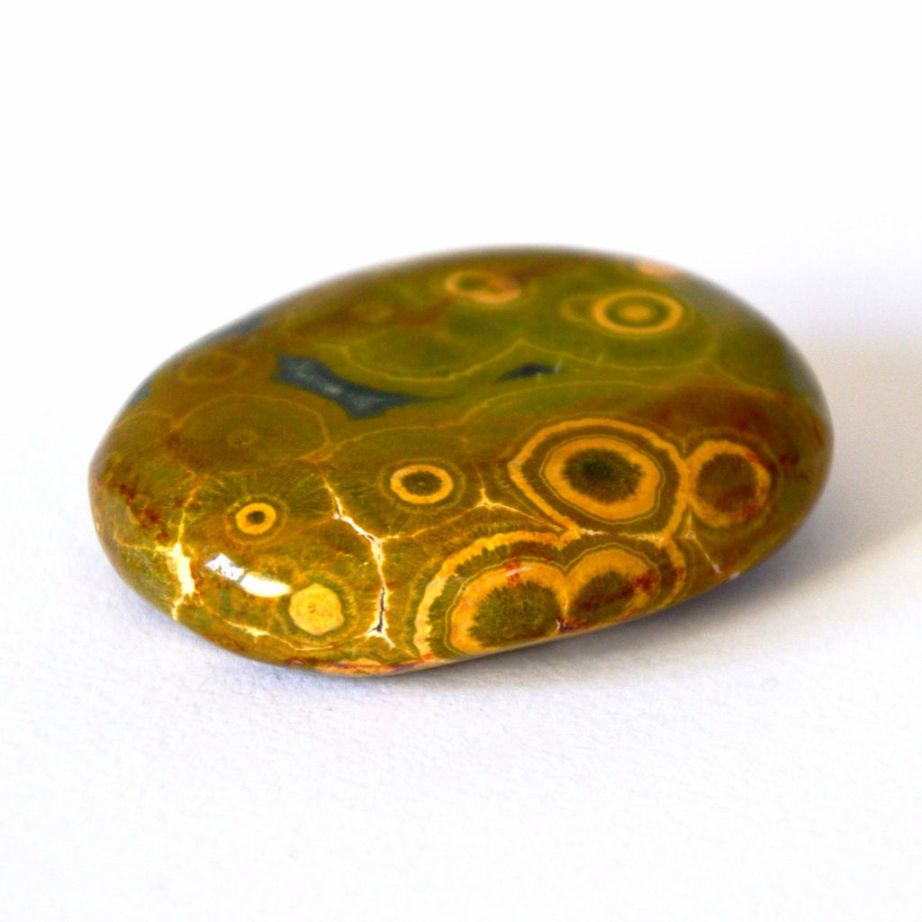 Worry Stone of Tranquility in astounding green and yellow ocher orbs is outstanding. Pocket, bag, on your table or as a welcome gift.