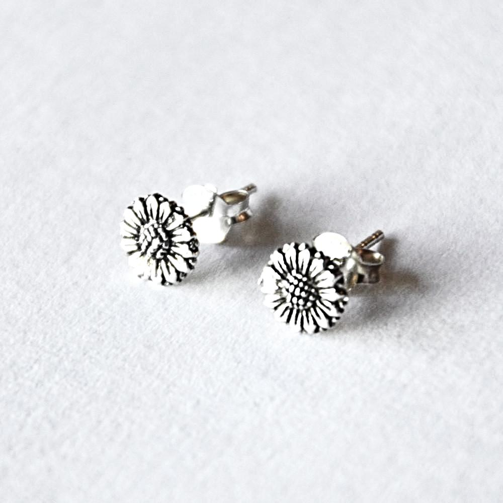 small flower post earring in sterling