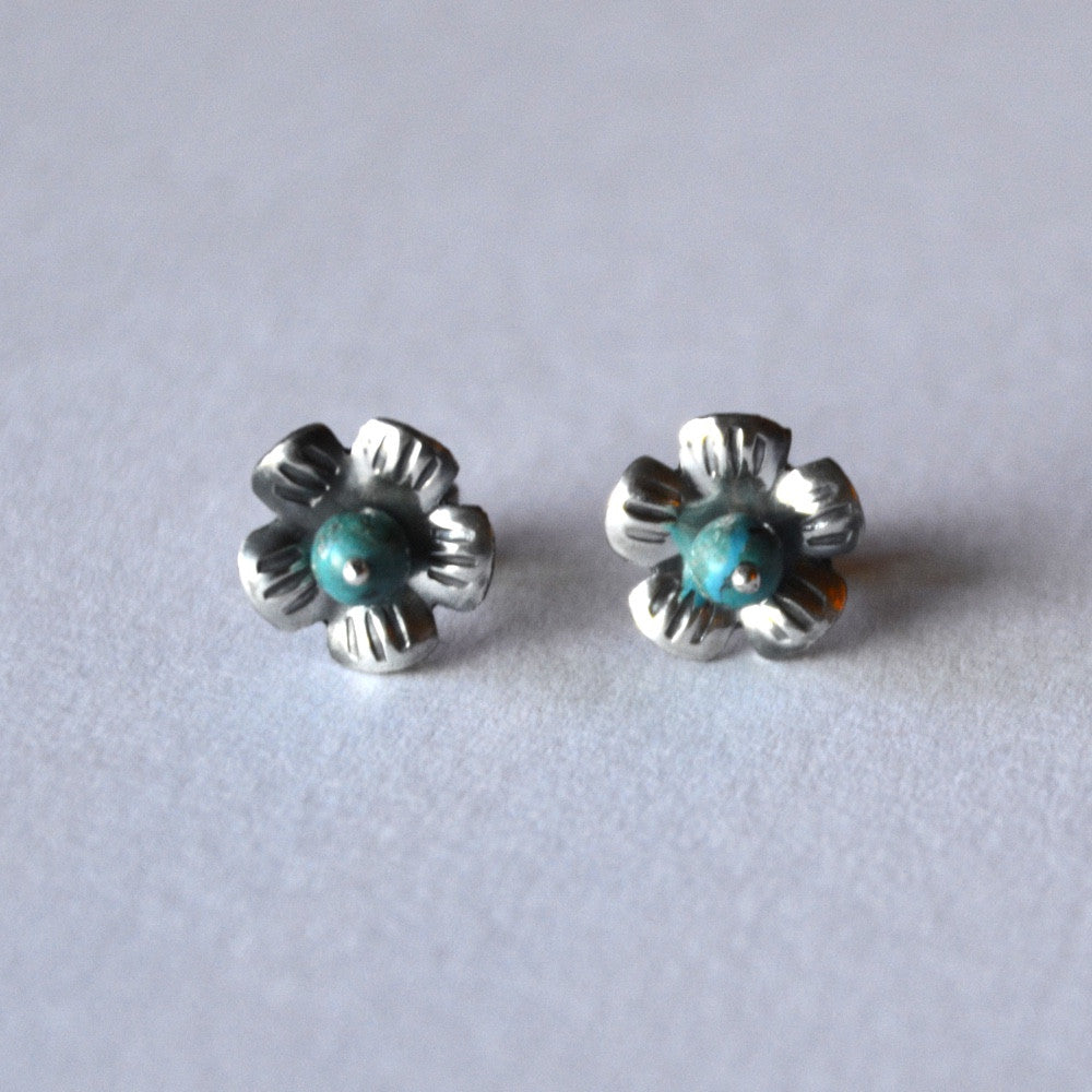 sterling flowers with pretty turquoise centers