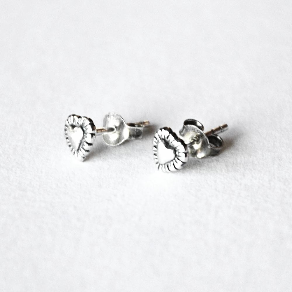 raised heart with puffed rope detail post earrings