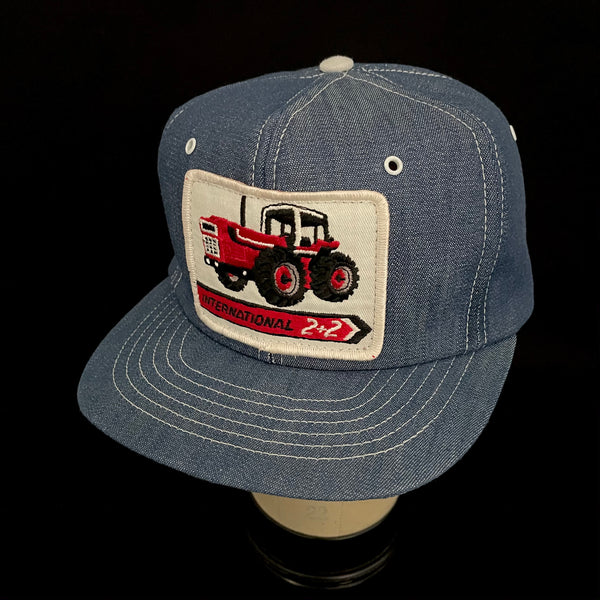 International 2 + 2. Vintage Trucker By Swingster