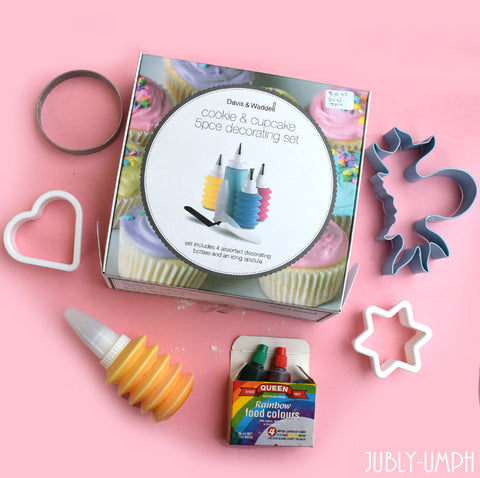 Piping kit, cookies cutters and colouring for monster easter cookies- from the Jubly-Umph blog
