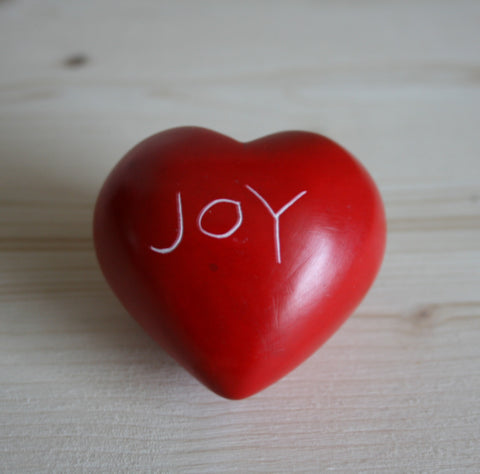 Red Joy Round Heart - 5 cm  (12 per display box - min 12)