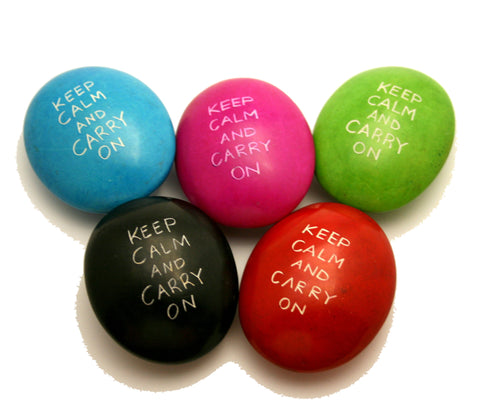 Coloured Keep Calm & Carry On Pebbles 6 cm (12 per display box - min 12)