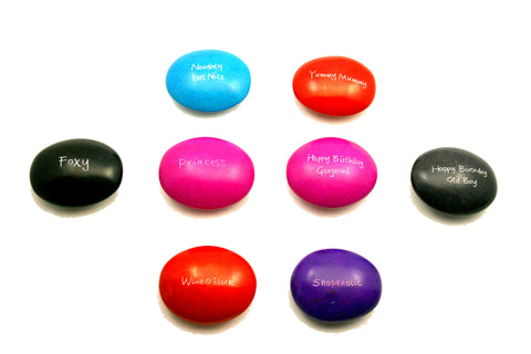 Coloured Cheeky Pebbles 6 cm (24 per display box - min 24)