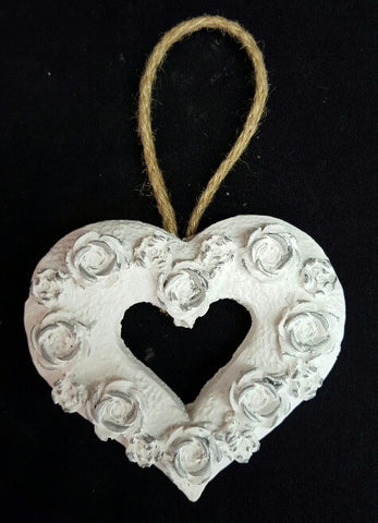 Rose Cut Out Heart - White & Silver (trade min 4) 11 cm