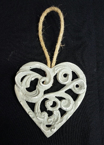 Small Scroll Hearts (min 12) 9 cm