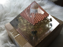 Load image into Gallery viewer, Small Copper Illusion Orgonite Pyramid