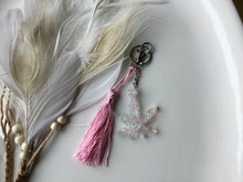 Load image into Gallery viewer, Light pink keychain