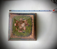 Load image into Gallery viewer, Deluxe Copper Tree Orgonite Pyramid