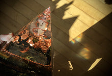 Load image into Gallery viewer, Deluxe Copper Amethyst Dragon Orgonite Pyramid