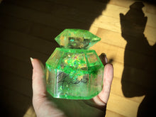 Load image into Gallery viewer, Green Crystal box
