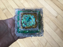 Load image into Gallery viewer, Small Malachite Pyramid
