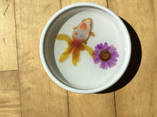 Load image into Gallery viewer, Fish Bowl and flower trinket plate