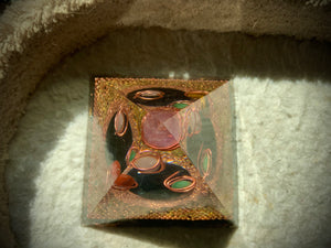 Tourmaline Disc Orgonite Pyramid