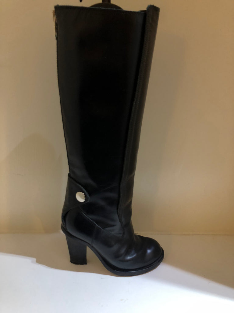 Equestrian Styled Heeled Boots by Chloe