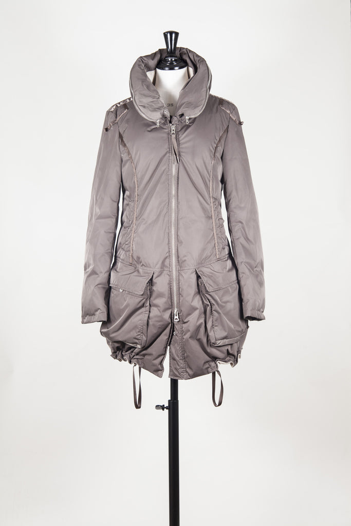 Padded jacket with concealed hood by Le Jean de MFG
