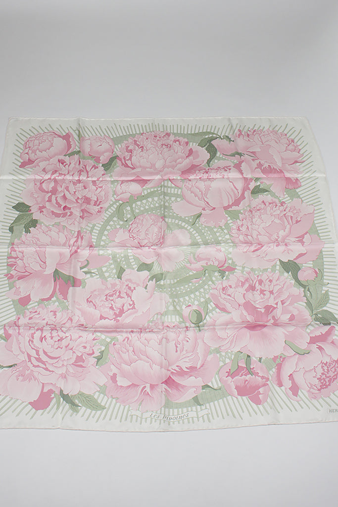 Les Pivoines Scarf by Hermes