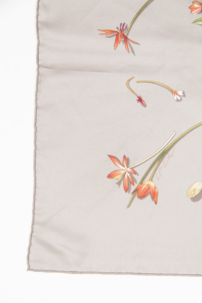 Fleurs et Plumes scarf by Hermes
