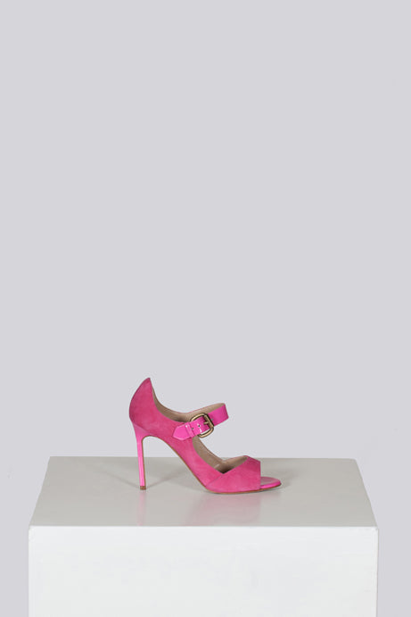 Shocking pink sandals by Manolo Blahnik