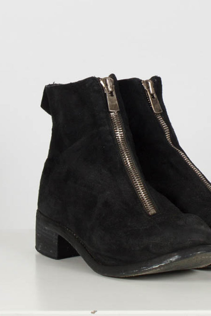 Horse Leather Zipped boots by Guidi