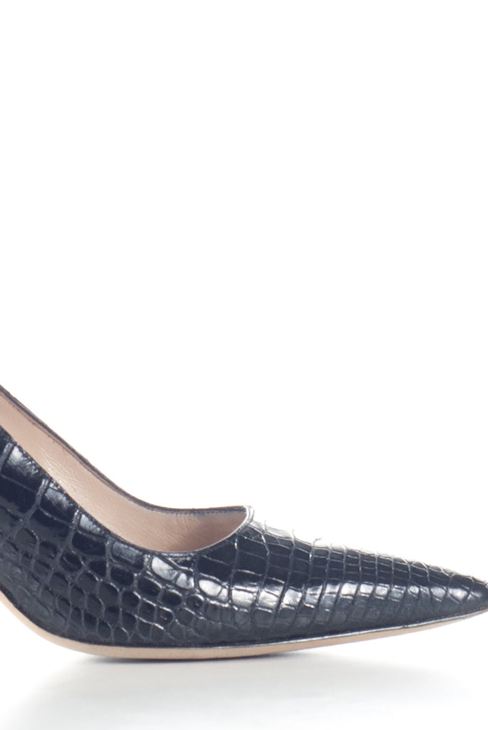 Crocodile pumps by Manolo Blahnik