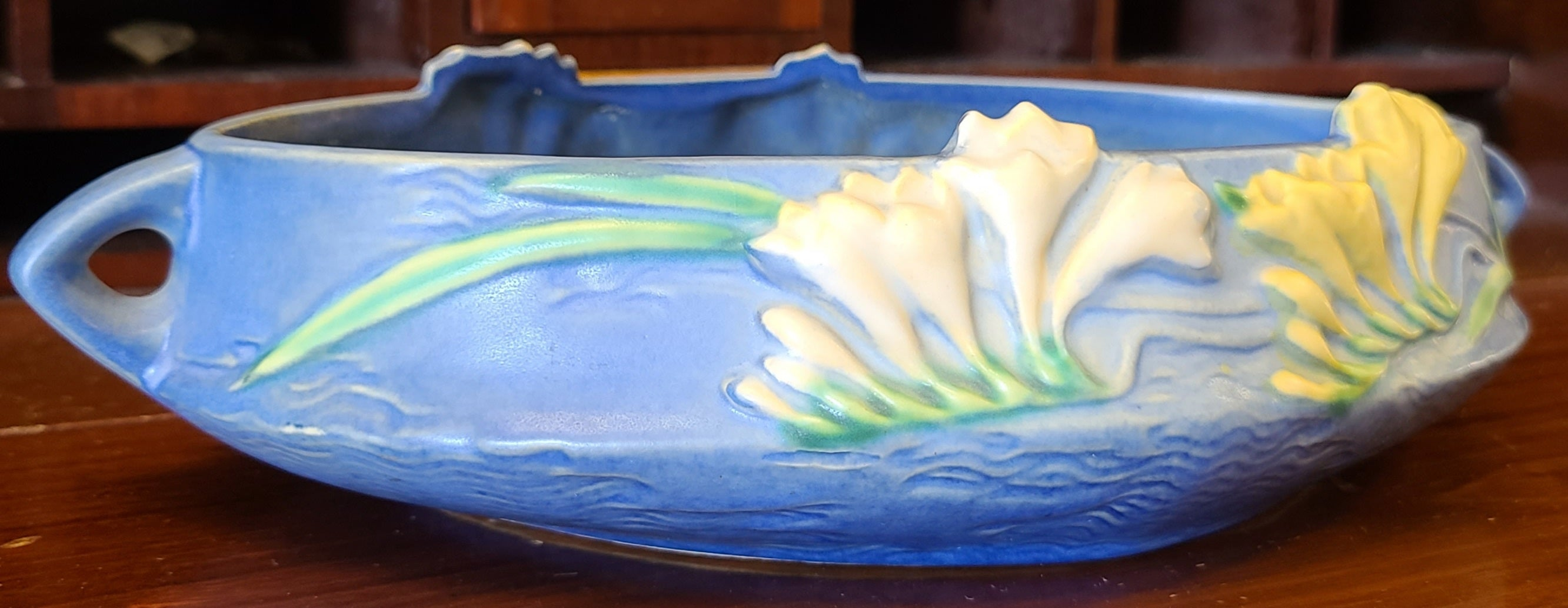 "Roseville 1156-10"" Blue Freesia Console Bowl"