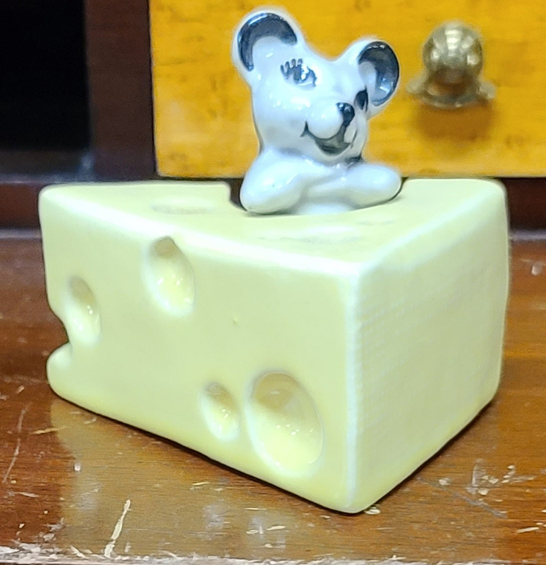 Vintage Ceramic Arts Studios mouse and cheese salt & pepper shakers