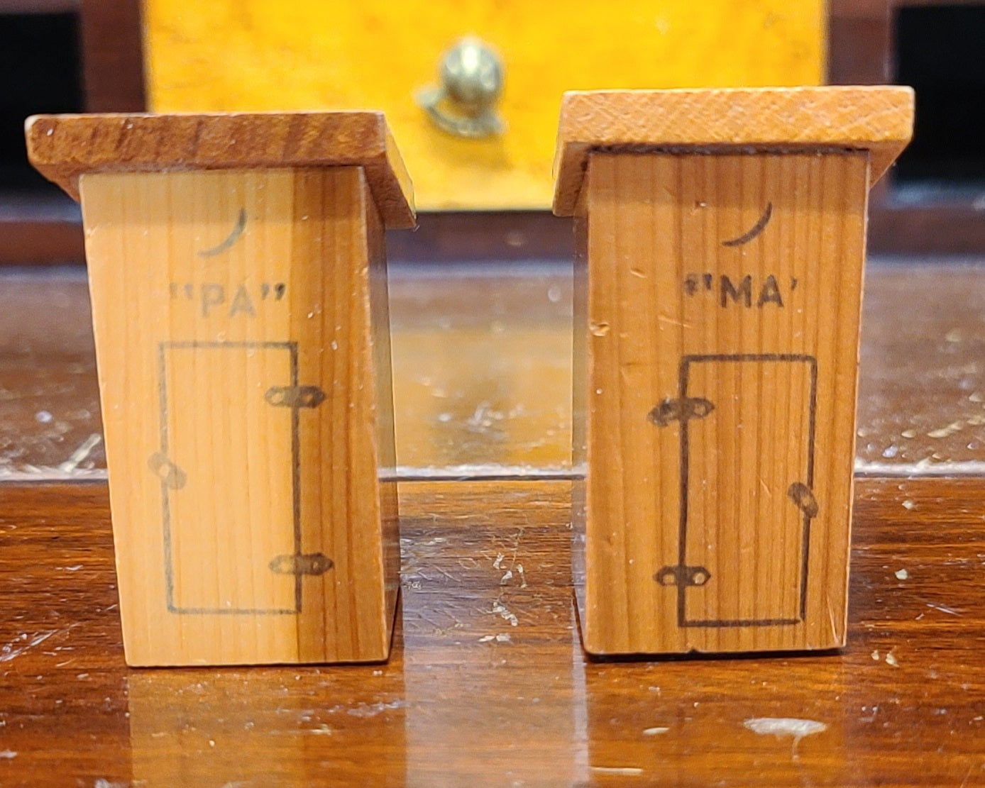 Vintage wooden Ma and Pa outhouse salt & pepper shakers
