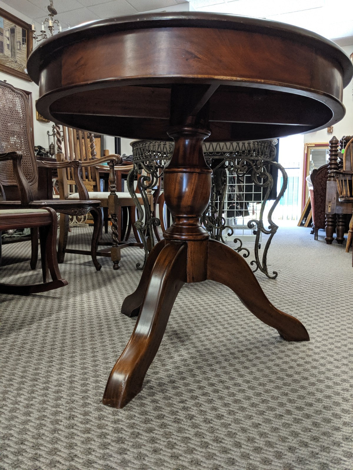 "35"" round wooden pedestal table"