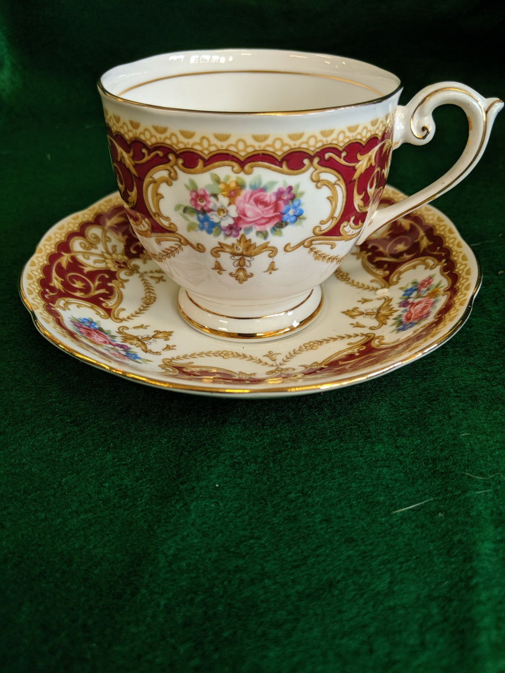Vintage Queen Anne Regency tea cup and saucer