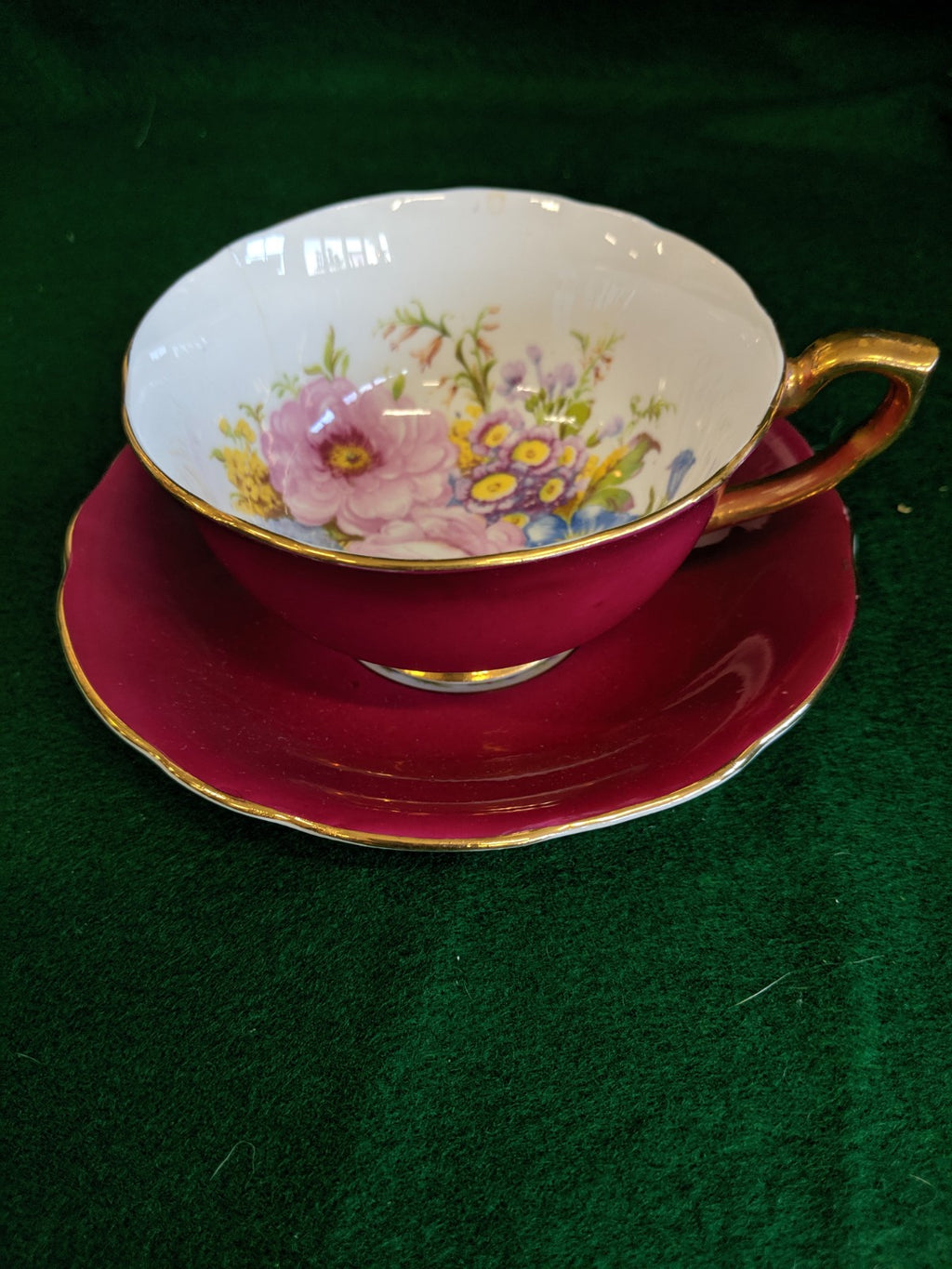 Vintage Windsor teacup and saucer, rare pattern 385/66 in red