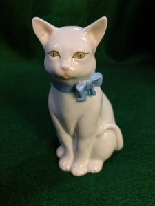 Herend Vintage Handpainted White Cat w Blue Bow
