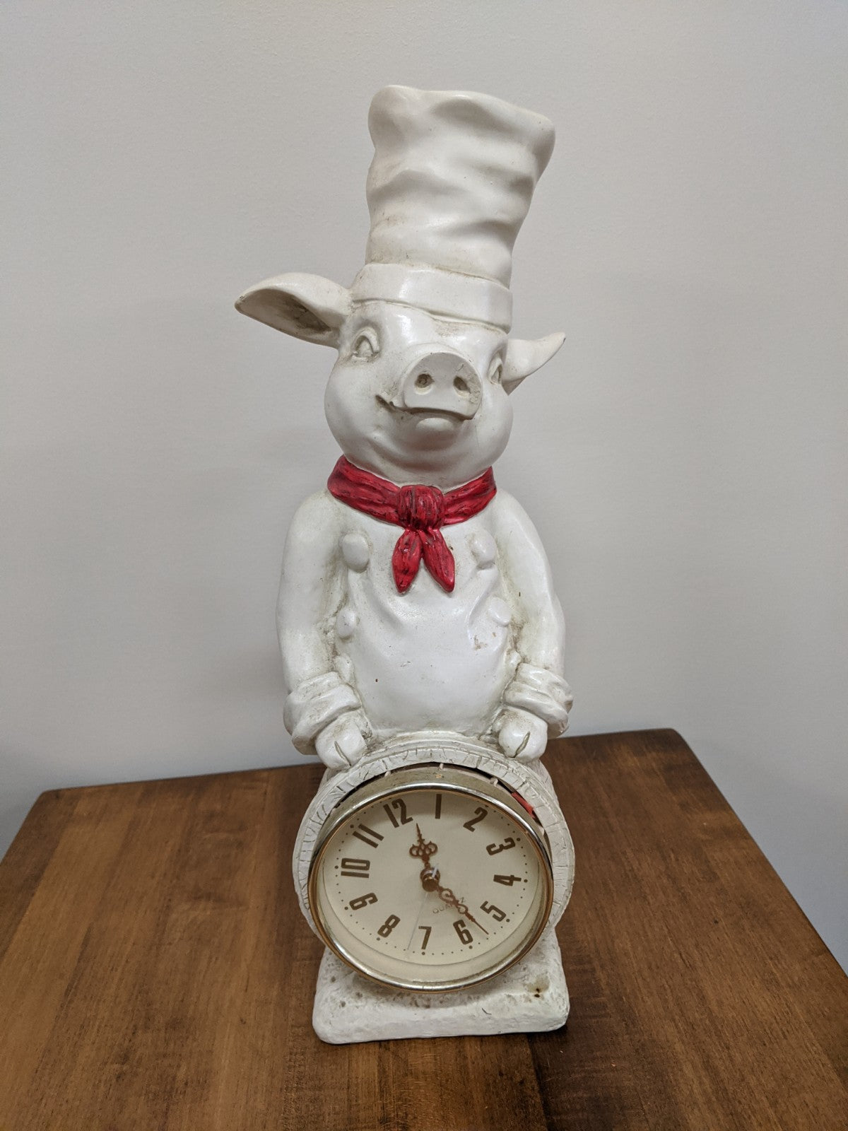 Chef Piggy desk clock
