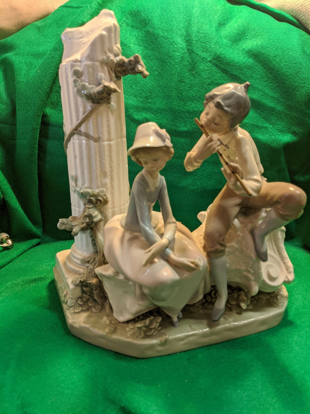 "Lladro figure #5382 ""Lover's Serenade"""