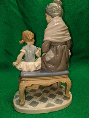 "Lladro #5305 ""Visit With Granny"", vintage, cir 1986"