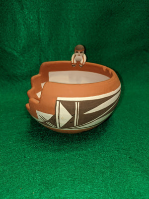Artist-signed Native American clay pottery art