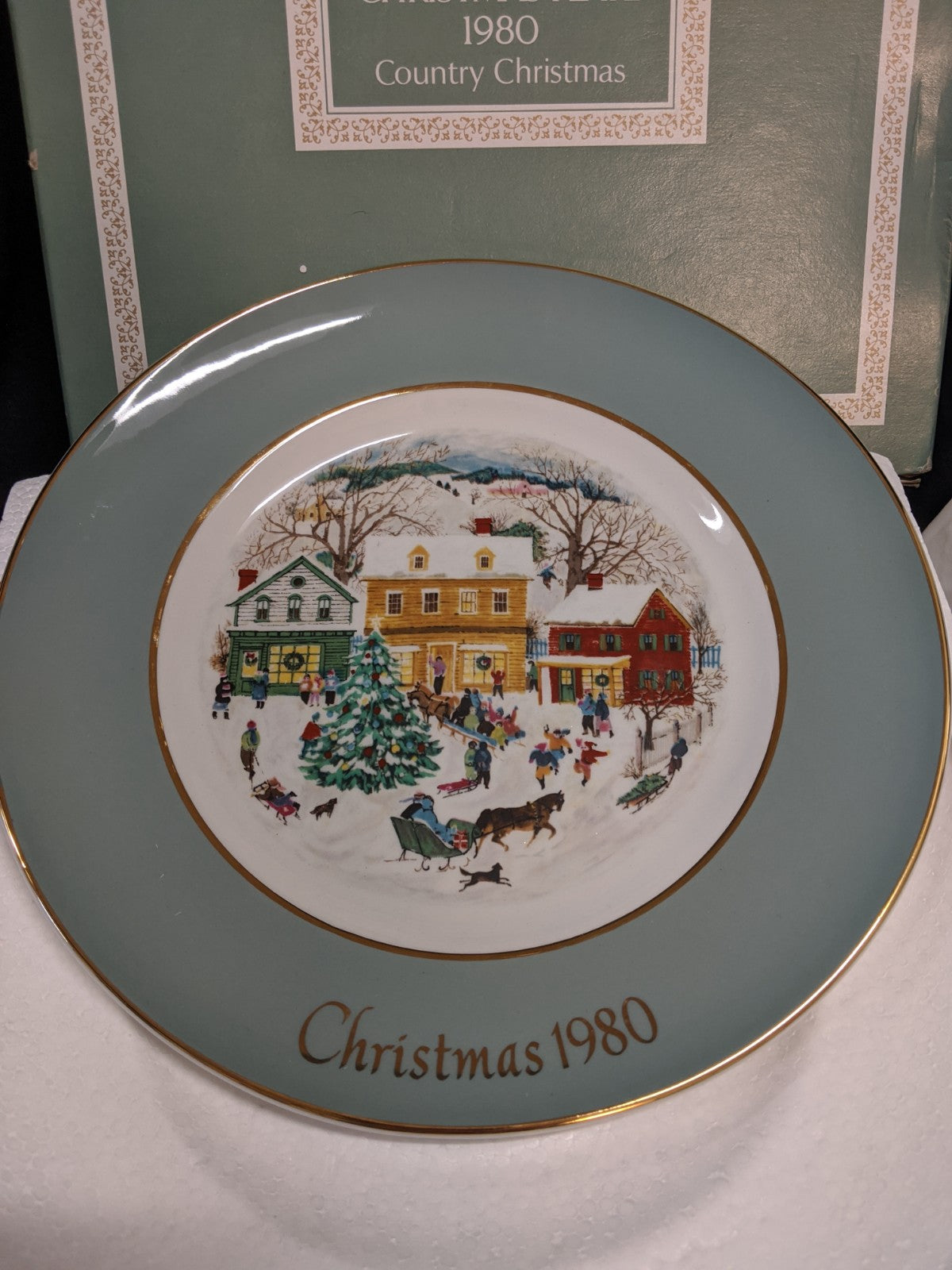 Vintage Avon Christmas Plate, Country Christmas 1980
