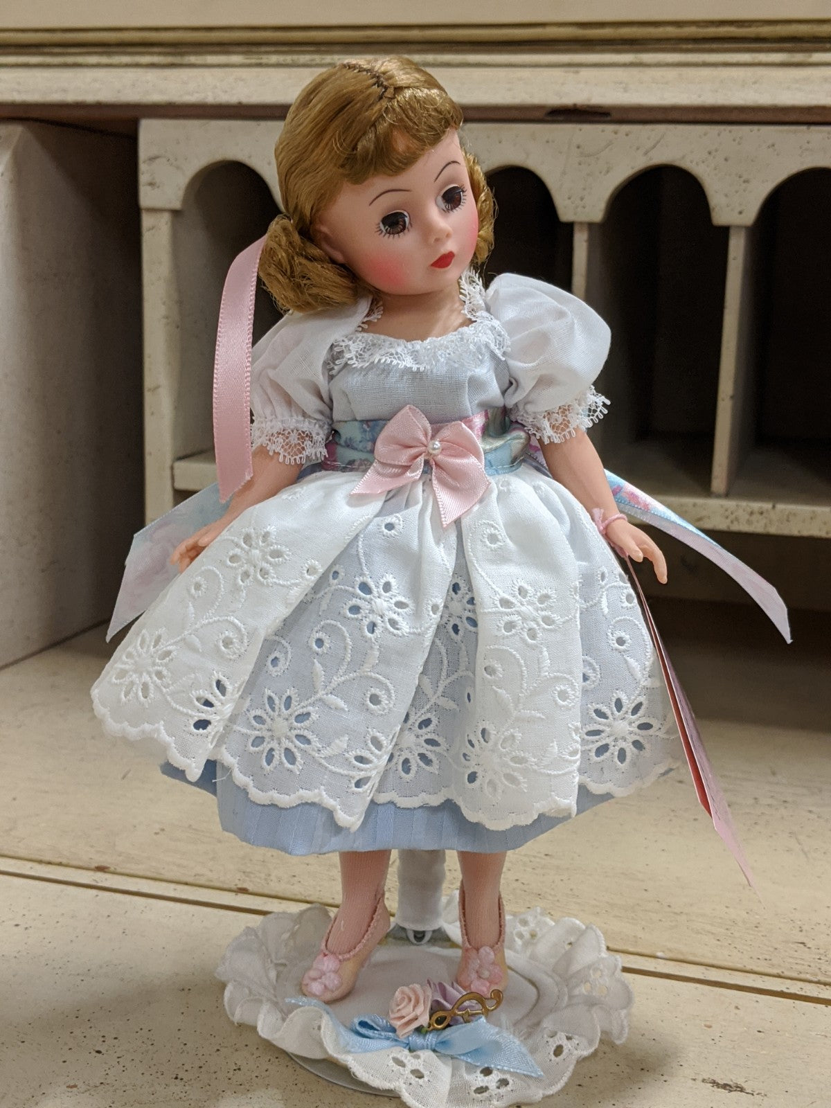 "Alexander Doll Company Sound of Music ""Liesl"" 1112 Tosca, Blue"