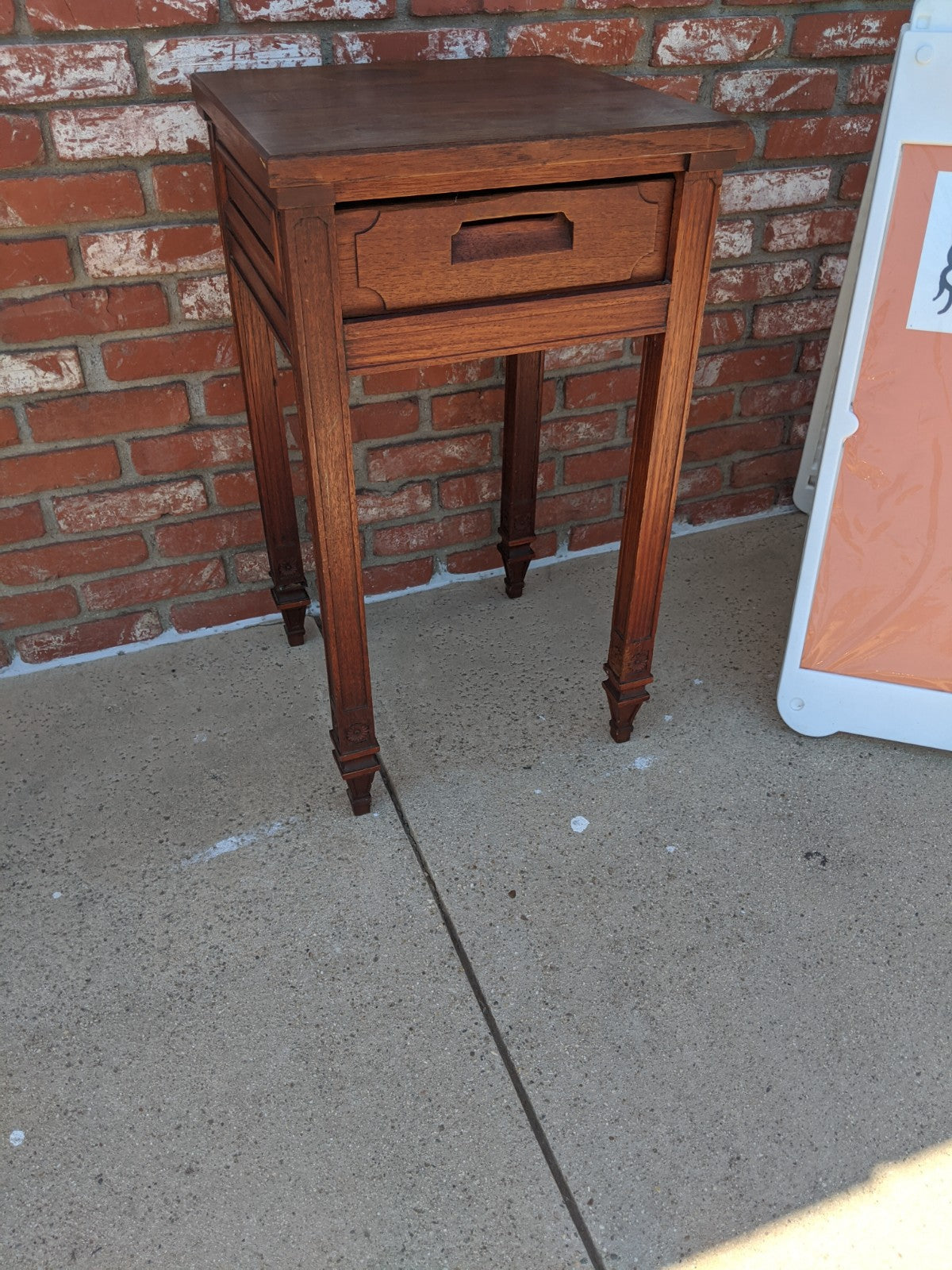 Vintage wooden side table / nightstand
