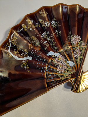 Fan tray in porcelain w gold, hand-painted