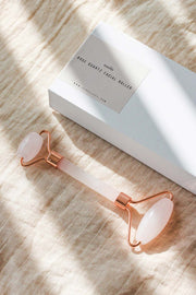Rose Quartz Facial Roller in Rose Gold